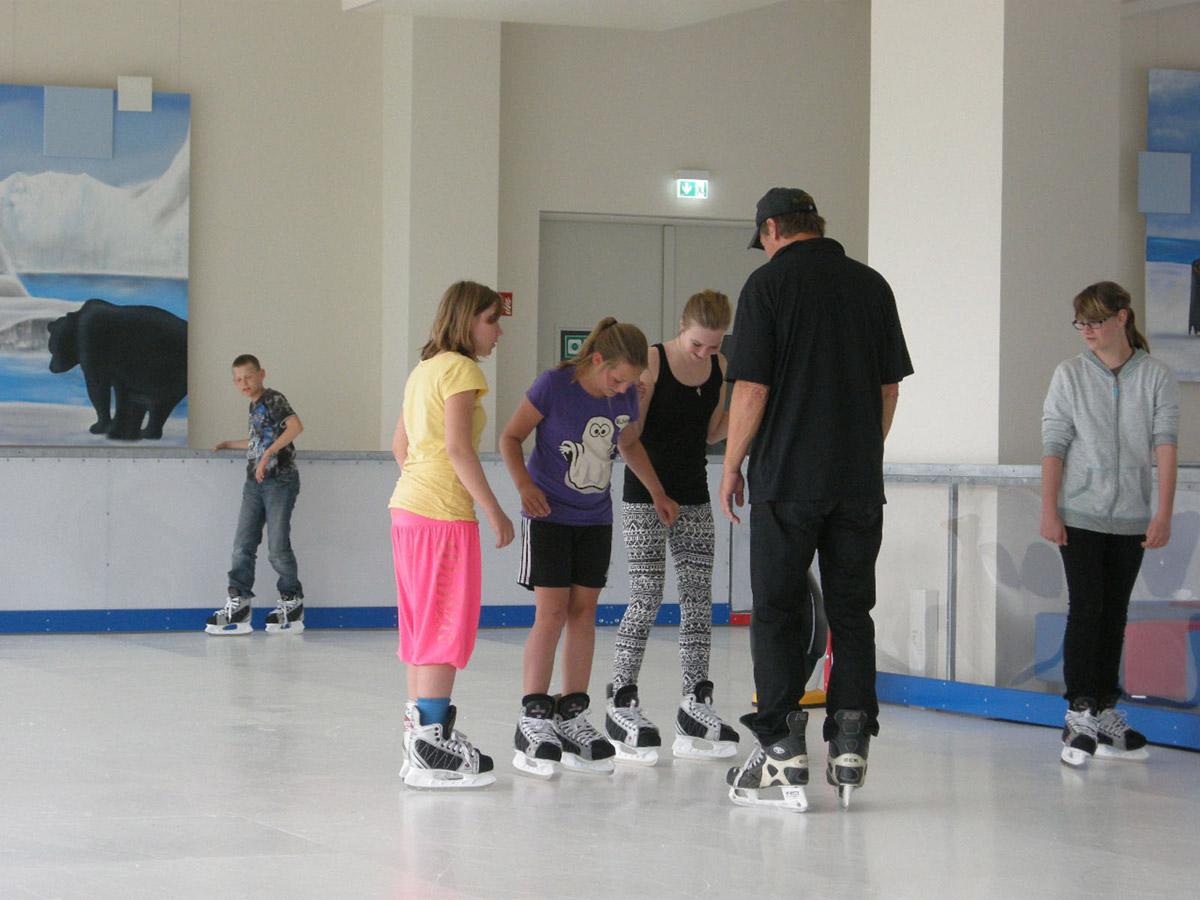 Bitterfeld Eislauf Kunsteis Ice free Indoor Anlage - ein Projekt der Komune