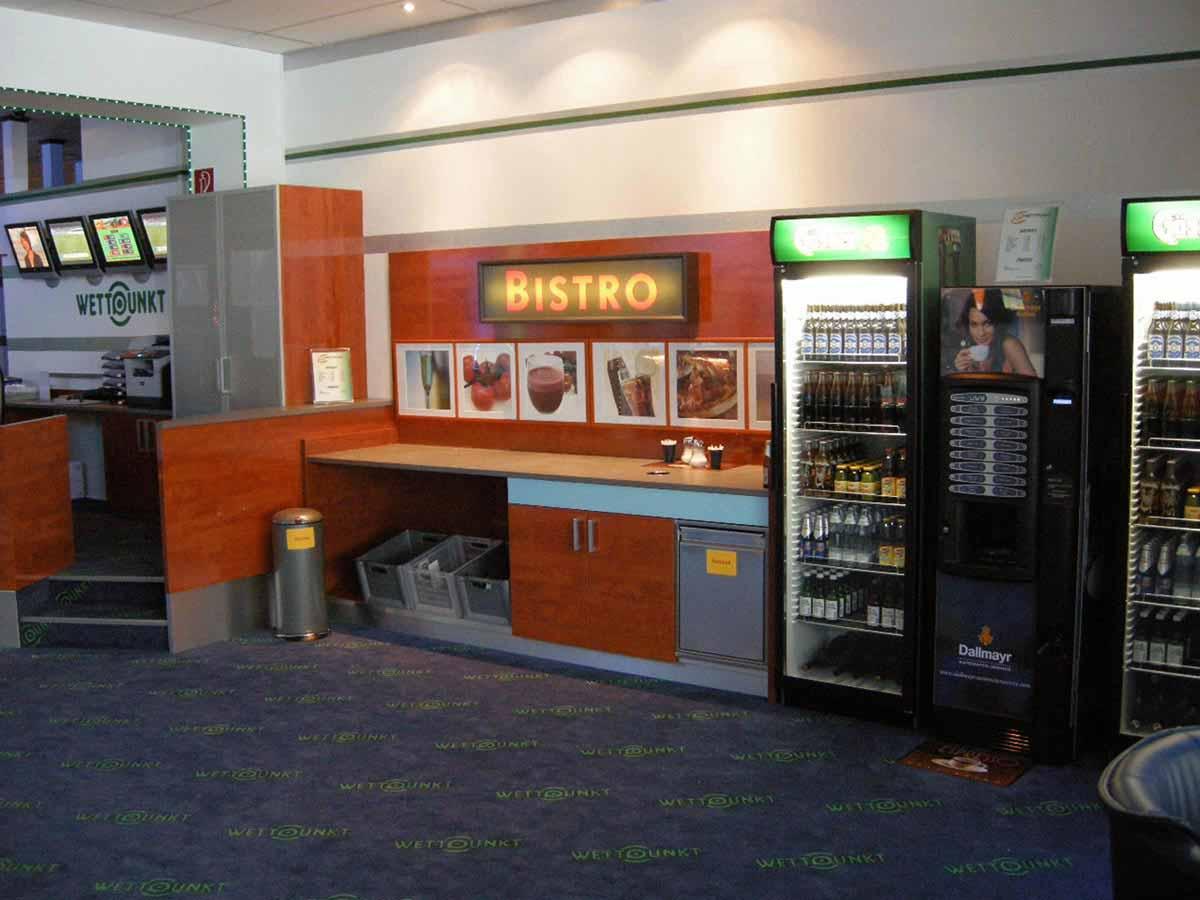 Casino Wettbüro und Slot Machine Casino Knittelfeld - ein kleines SB Getränkebuffet für die durstigen Gäste des Wettpunkt Lokales