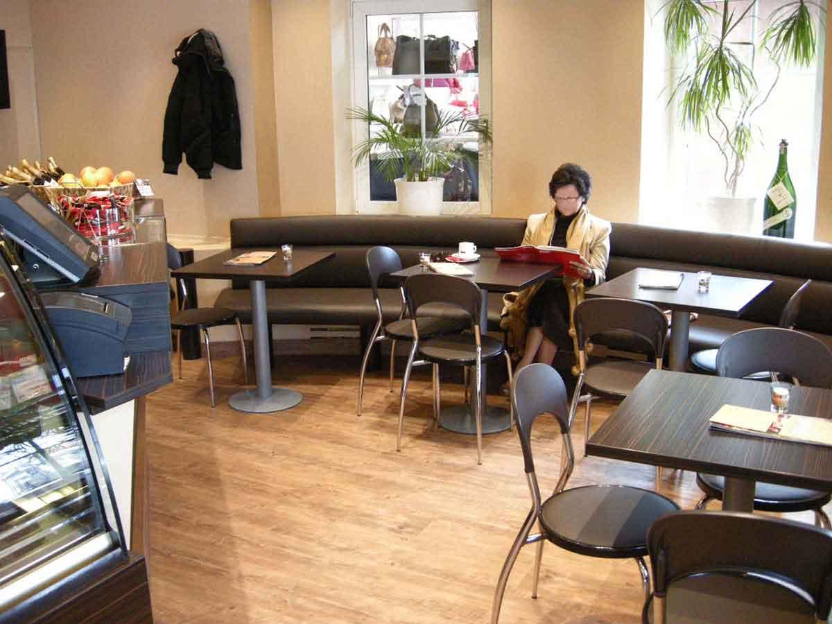 Eis Kaffee Bagio Solln- neue Möbelüberzüge, neue Raumfarben - weniger ist sehr oft mehr - Milo Interior Design Planung