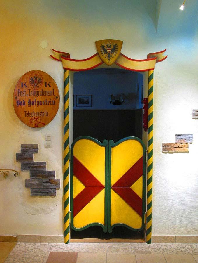 Hotel Post Hofgastein - Eingang Post Stüberl - Ausstattung Design Milo