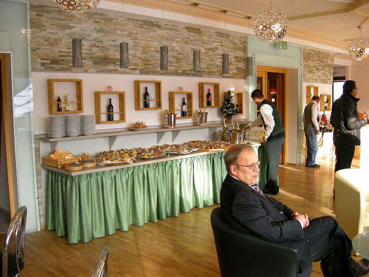 Hotel Montana der Eröffnungstag - das Buffet ist frei gegeben - eine elegante Raum Interior Design Planung