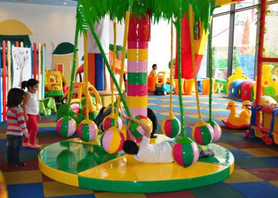Kidsland Indoor Kinder Garten Spielhalle im Shopping Center Palas Mall in Iasi