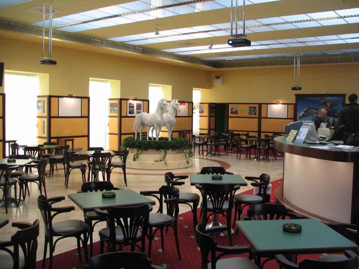 Johnstrasse Wien - Wettbüro und Slot Machine Casino - in einer eleganten Interior Design Planung von Milo