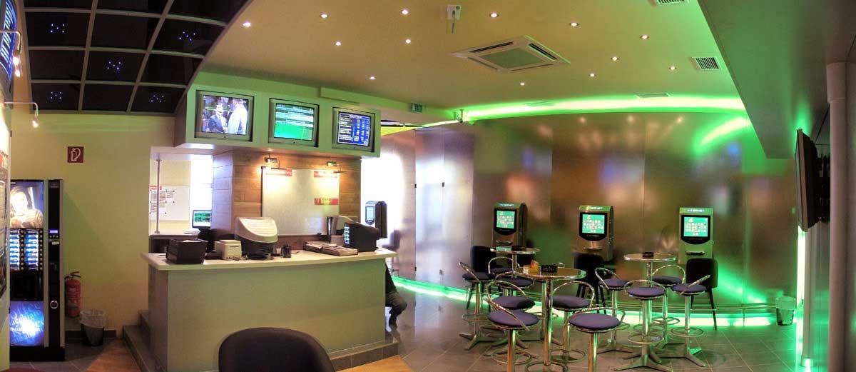 Mariahilferstrasse Wettlokal und Slot Machine Casino im modernen Interior Design Milo´s