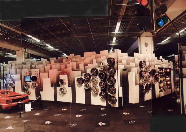 IAA Frankfurt - dekorativer Messestand für Heyking - Ausstattung Design Planung und Realisation Milo