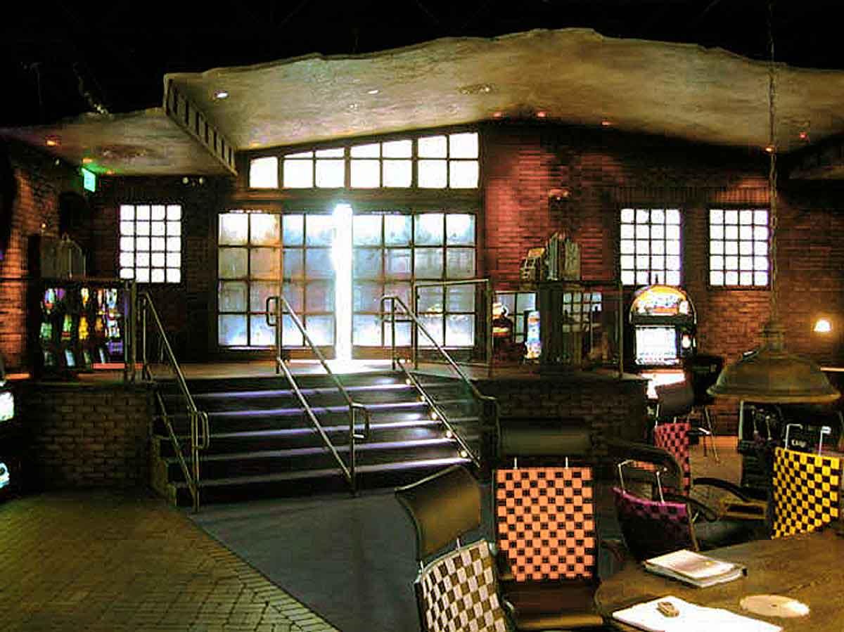 Eingang in den Schauraum Showroom von Atronic Phoenix, USA - Austattung Interior Design Planung Milo
