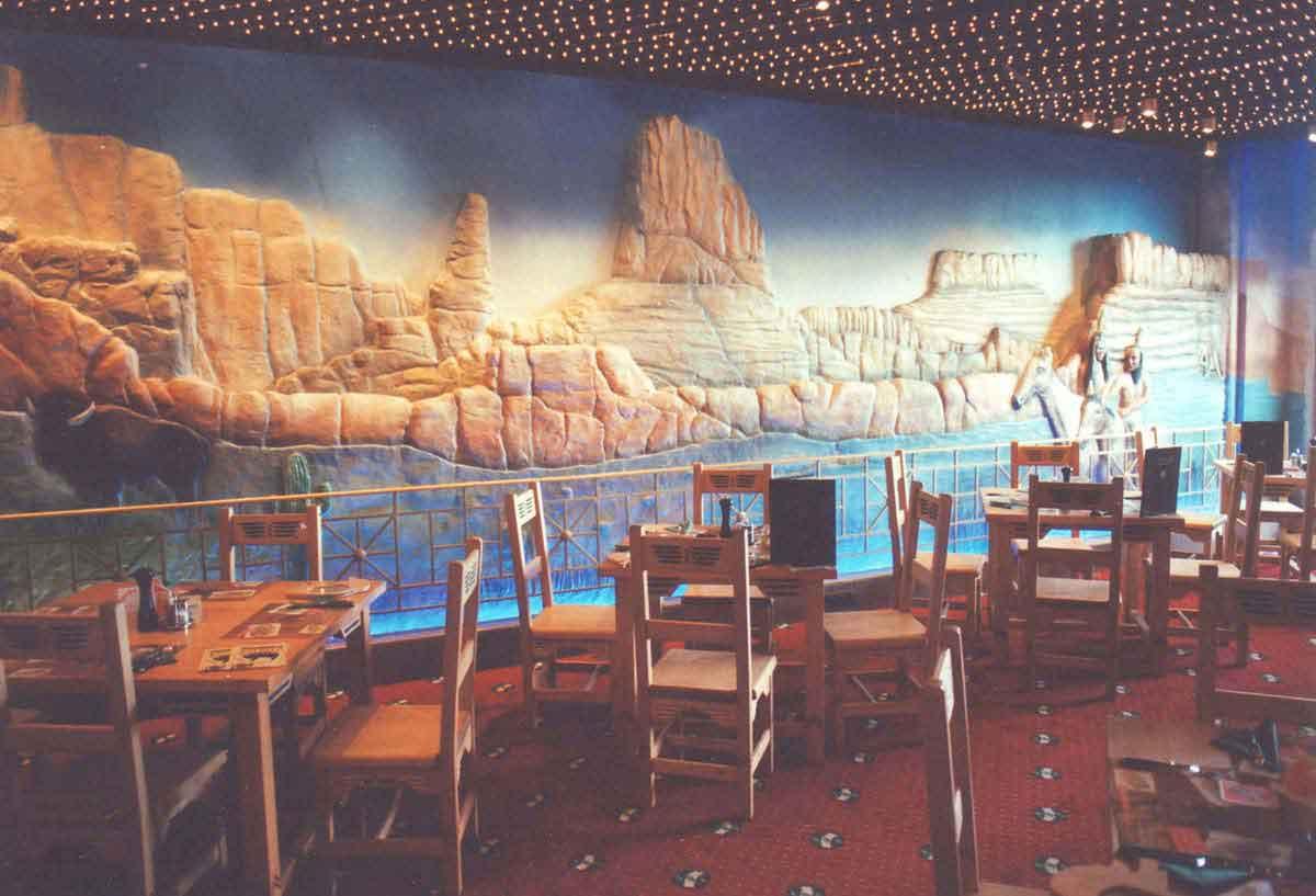 scs_wien_western_stil_restaurant_wandgestaltung_ausstattung_milo
