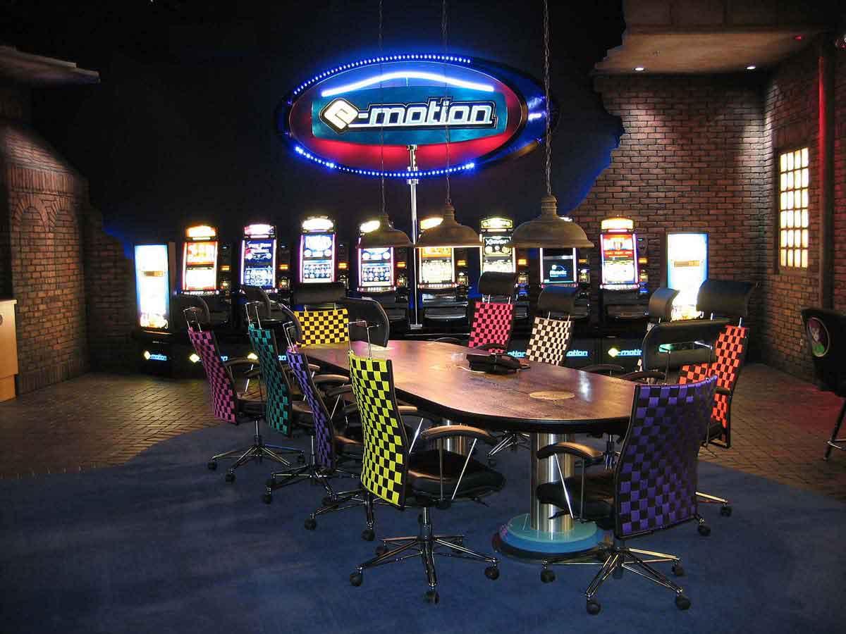 Atronic Showroom Besprechungsbereich und Slot Machine Casino Spielgeräte Präsentation