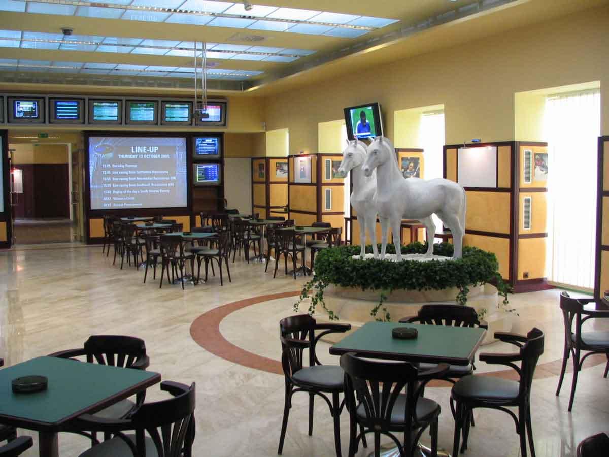 Slot Machine Casino und Wettbüro Johnstrasse - Raum Gestaltung Innenarchitektur Interior Design Planung Milo
