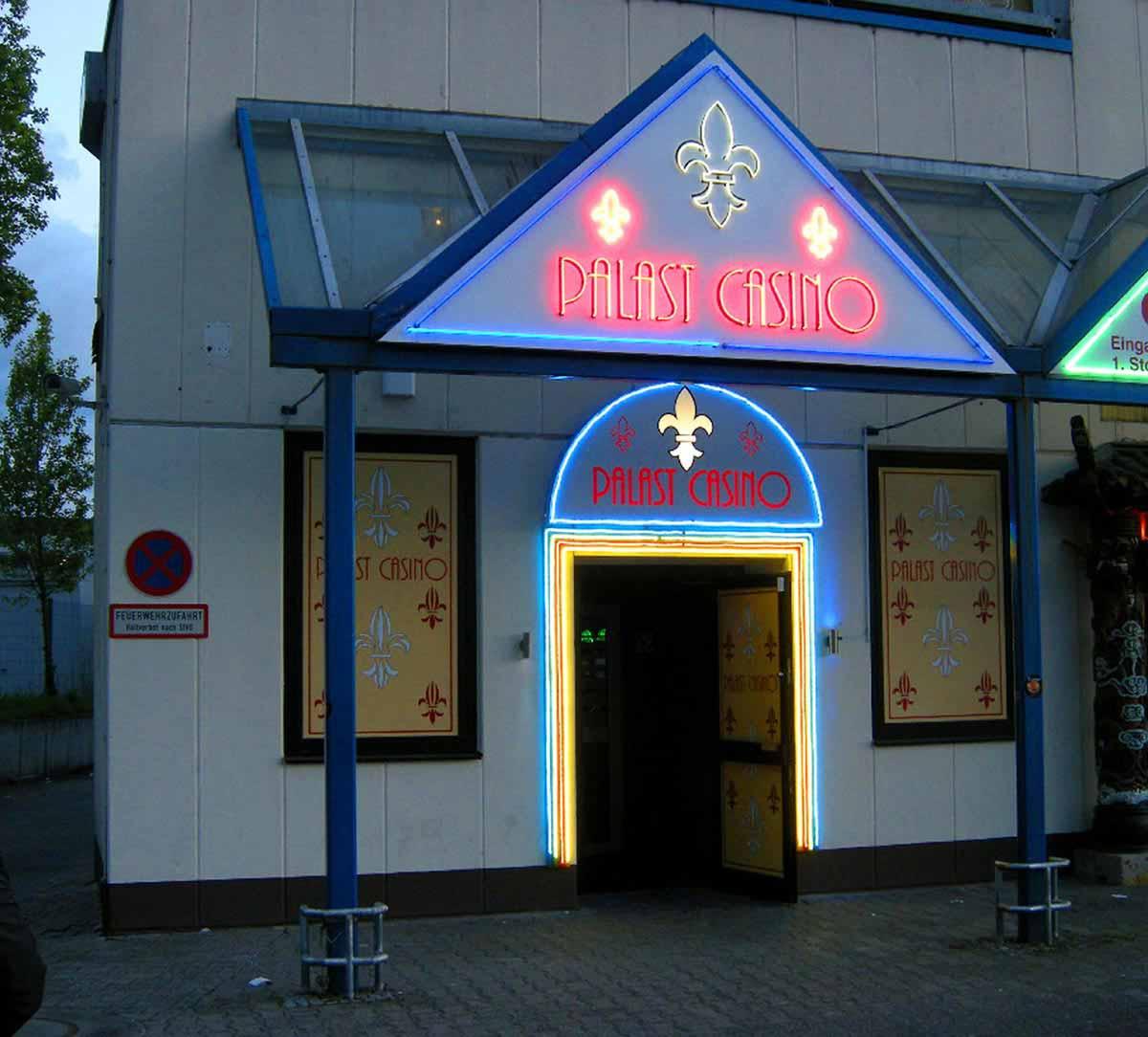 Slot Machine Palast Casino Darmstad - Eingang und Fassaden Design Planung und Gestaltung von Milo