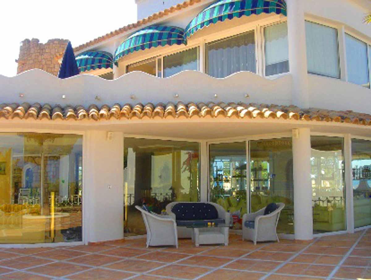 Spanien Villa Villen Terrassen Ambiente - im Schatten, ein leichter Wind - was für ein Genuß..