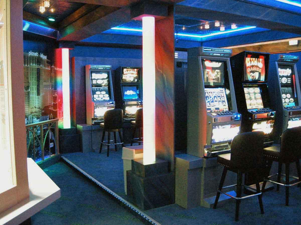 Wettpunkt Murau Casino Konzept Umsetzung - aus dem Entwurf wird Realität - Innenarchitektur Licht Design und Planung Milo