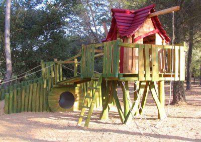 Kinder Garten Freiluft Spiel Park - ein Baumhaus mit vielen Möglichkeiten - Konzept Design Planung Milo