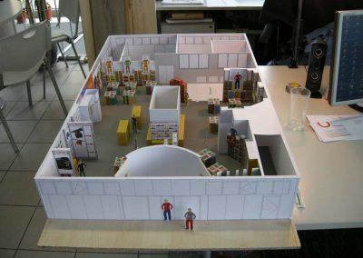 Modell Berufsbekleidung Shop Showroom Ausstattung Design Planung